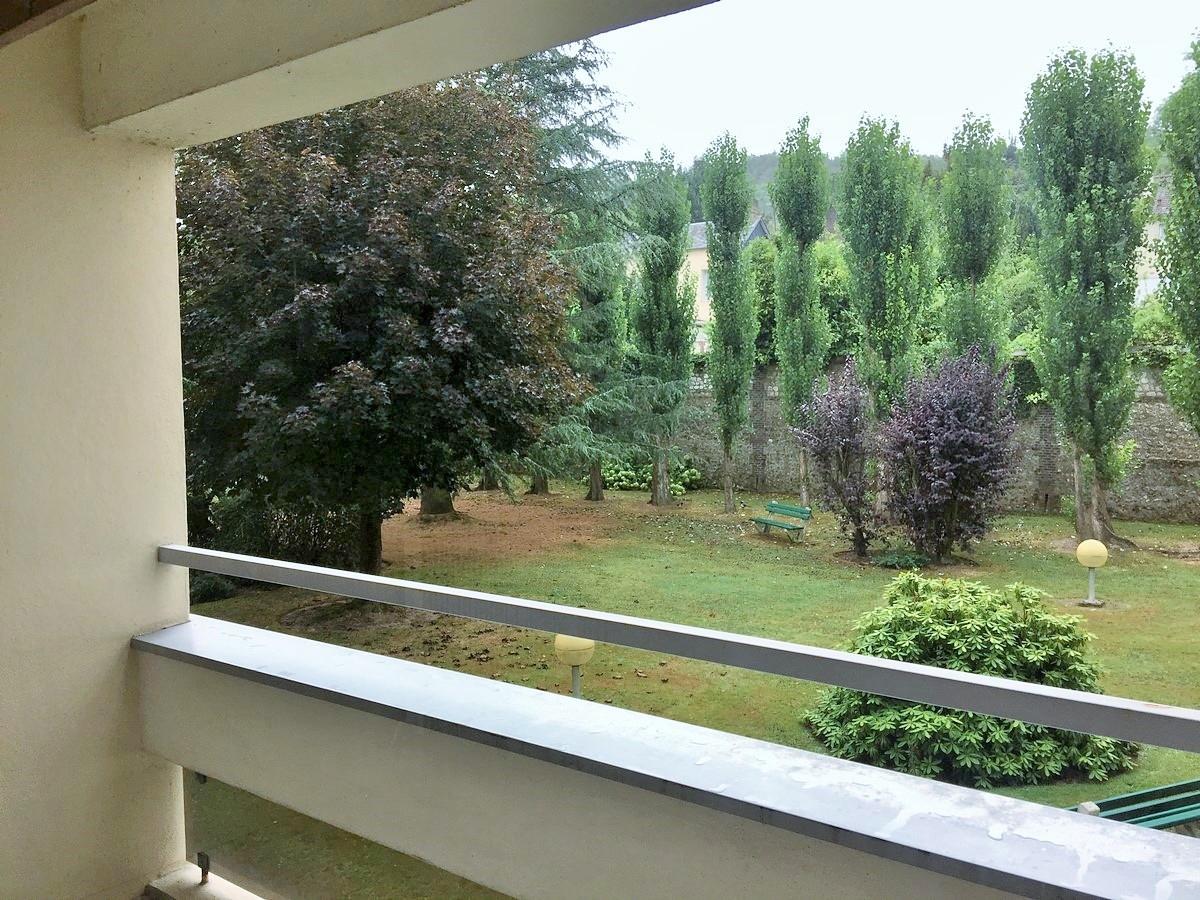 Bel appartement avec balcon de type 2, à vendre, dans résidence calme et arboré, sur le secteur de Caudebec Lès Elbeuf 76320