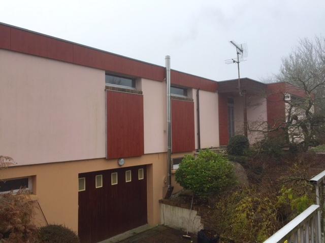 Sur le secteur de Fouqueville 27 370, à la vente, jolie maison atypique de 120 m² hab.de plain pied sur un terrain de 2080 m² et sous-sol complet aménagé,