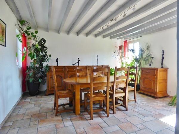 Magnifique longère entièrement rénovée avec goût, à vendre, proche de Saint Pierre Lès Elbeuf 76320, beaux volumes, 140 m² hab., 4 chambres,  sur 850 m² de terrain clos et paysagé, dépendance et 2 garages