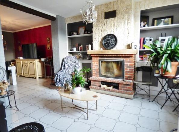 Superbe maison de maître, beaux volumes, 150 m² hab., 4 belles chambres, avec vue imprenable sur les bords de Seine, sur 2200 m² de terrain clos avec  dépendances, à proximité de Tourville La Rivière 76410