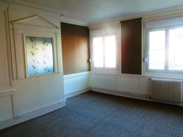 a voir absolument, superbe appartement refait à neuf 2 elbeuf centre ville, rue des martyrs, au pied des commerces,