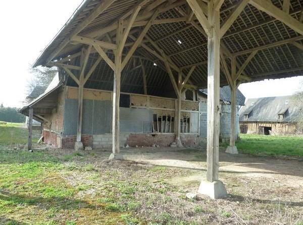 A vendre vallée de l'oison grand hangar à restaurer sur terrain de 1 386 m²