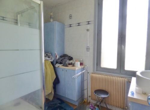 Jolie maison de briques 90 m² hab., à vendre, sur la commune de Saint Aubin Lès Elbeuf 76410, grande dépendance 100 m² et garage 2 voitures, sur 2000 m² de terrain clos