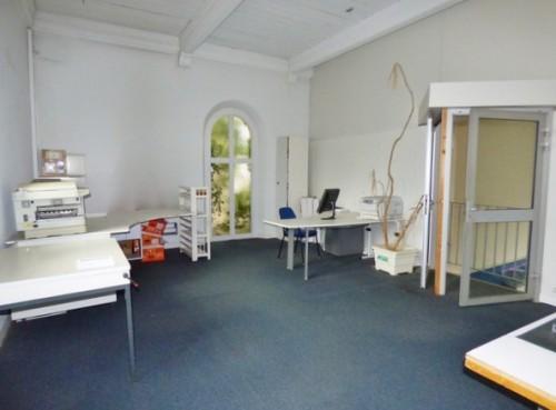Bien Atypique 154 m² hab., sur la commune d'Elbeuf Sur Seine 76500, nombreuses possibilités, prévoir travaux, sur 380 m² de terrain clos