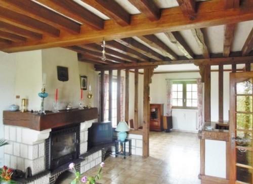 A l'achat, Superbe pavillon stylé, beaux volumes, 160 m² hab., à proximité de Tourville La Rivière76410, sous-sol complet + garage, sur 1960 m² de terrain clos, avec toutes commodités au rez-de-chaussée